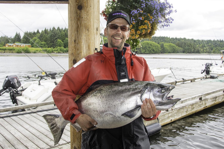 Tyee salmon, salmon fishing, fishing lodge