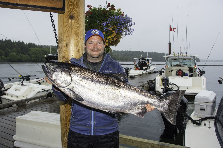 Tyee salmon, big fish, saltwater fishing, salmon fishing